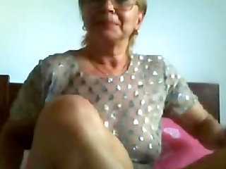 Super erotica mature seducing and teasing on cam