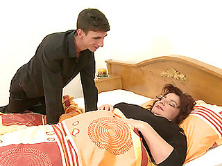 Dude wakes up sleeping BBW Yvanka and fucks her good