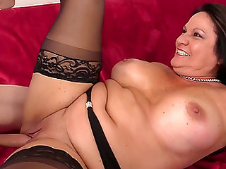 Curvy Older Leylani Wood Mounts Cock